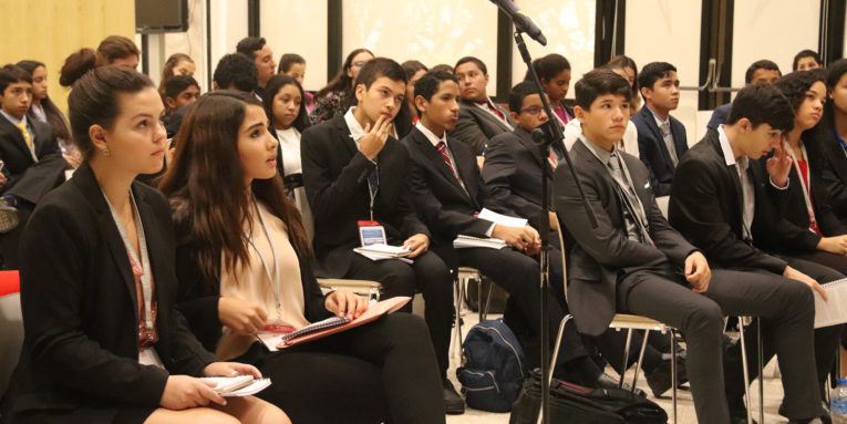 Students participating in the 2018 LDZ Las Americas program in Panama