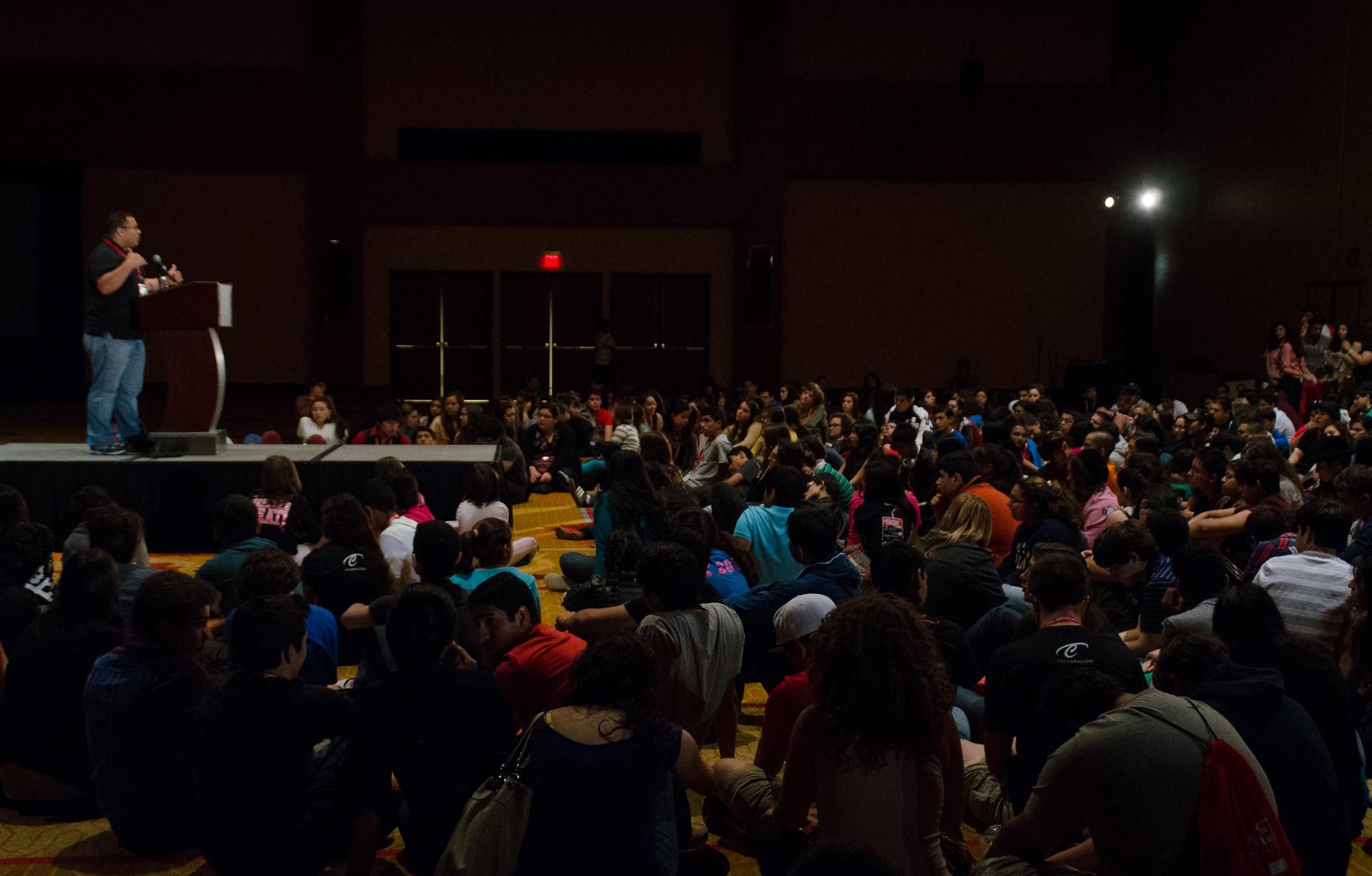 Julio Cotto addresses a crowd of students at the 2012 National Hispanic Institute's Celebracion event in San Antonio.