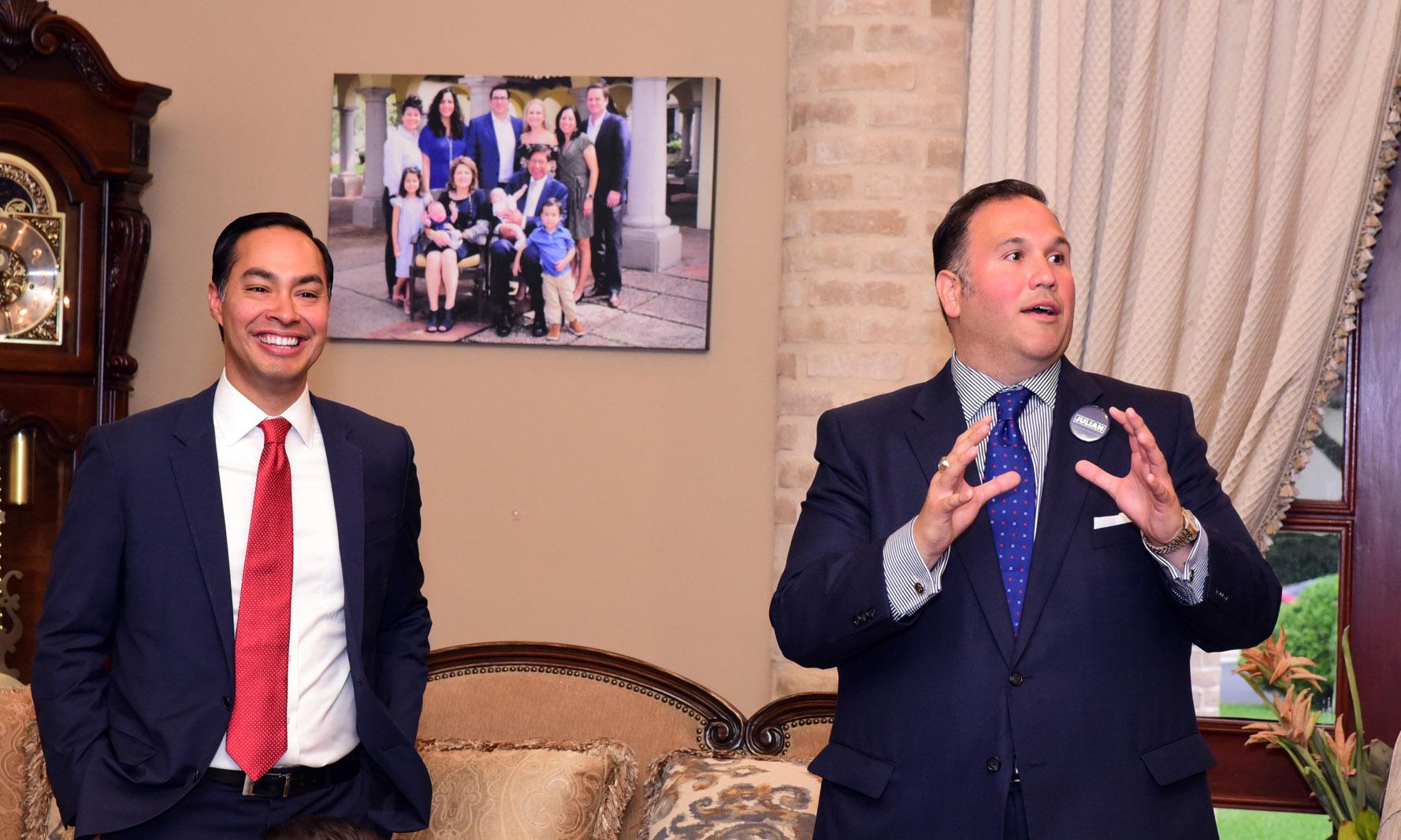 Presidential candidate Julian Castro with NHI Distinguished Alumni Award winner Analco Gonzalez